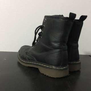 combat boots size 6/6.5