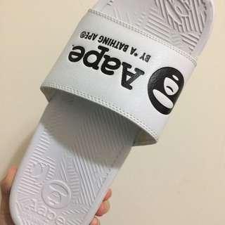 Aape 白拖鞋