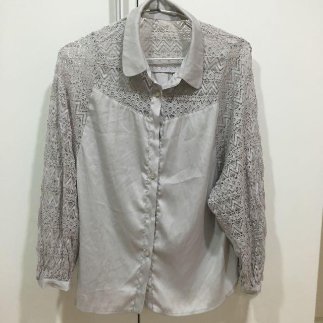 藕灰色蕾絲襯衫