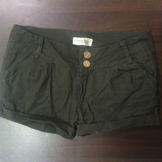 墨綠色短褲(全新✨)
