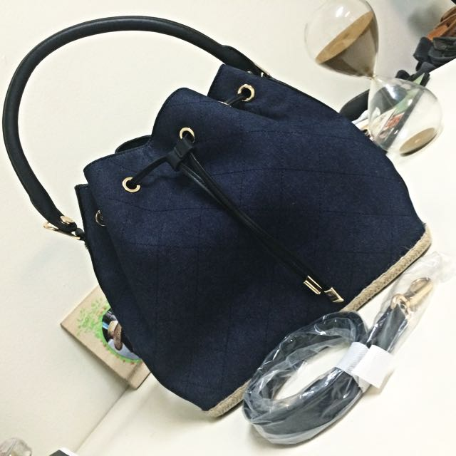 (PENDING)Charles & Keith Navy Blue Bag