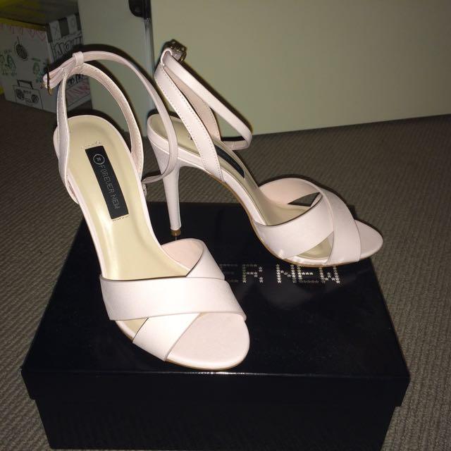 Forever New - Lily Cross Vamp Heels