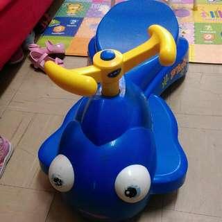 小魚兒妞妞車(二手)有音樂,會唱英文版小星星--降價!