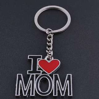 BRAND NEW I Love Mom Keyring!  Perfect For Mothers Day!