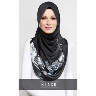 ❗️PENDING TO FOURTHDOOR - dUCk The Singapore Scarf in Black