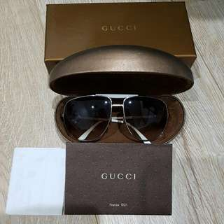 Authentic Gucci Aviator Sunnies With Original Case And Box