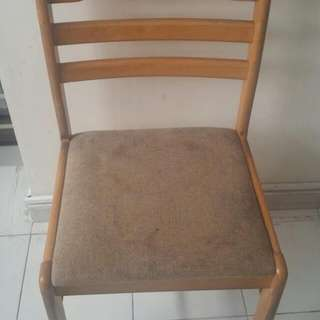 4 Pcs Dining Chairs  Giving Away  Pick Up At Tampines