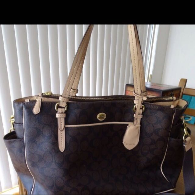 Coach Peyton Signature Multifungtion Tote And Diaper Bag