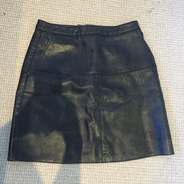 Dotti Leather Look Skirt