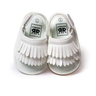 **小饅頭本舖**-白色流蘇春夏甜美造型涼鞋(含運)