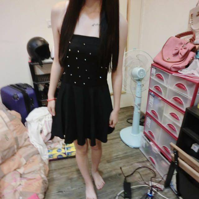 降!黑色氣質平口小禮服。洋裝