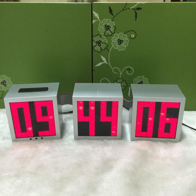 時尚 數位LED功能型鬧鐘