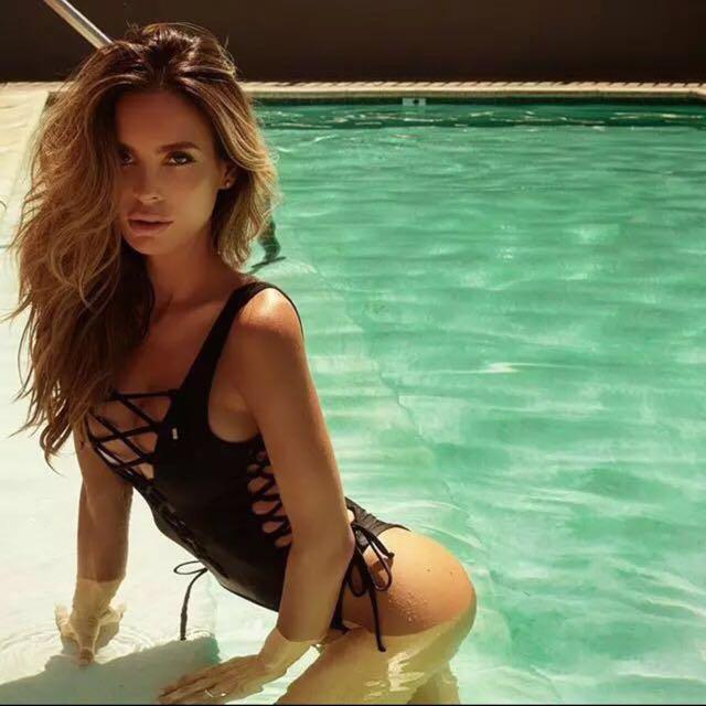 顯瘦😈現貨L號‼️ Te Amo歐美連身泳衣性感綁帶比基尼巴西