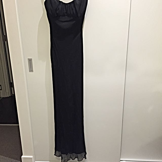*Free Delivery* Lisa Ho Gown