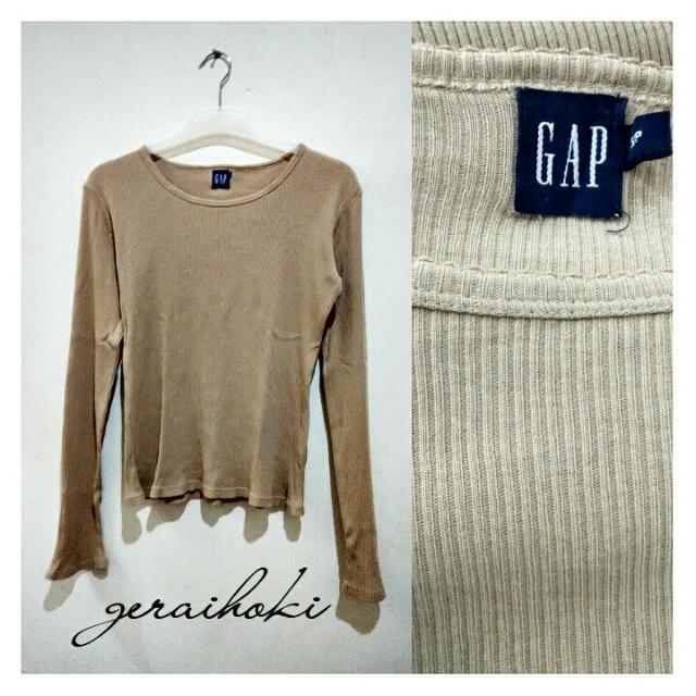 Preloved GAP T-shirt
