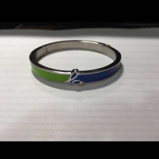 agnes b. b-LOGO小鑽造型釦式手環綠&藍