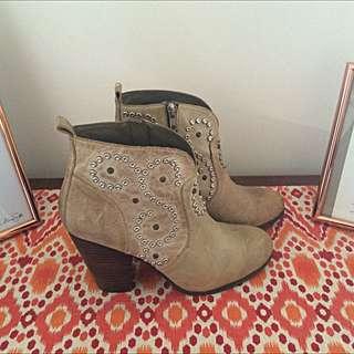 Steve Madden Boots (Size 10/41)