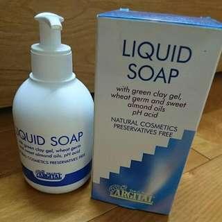 蕾莉歐精油潔膚乳
