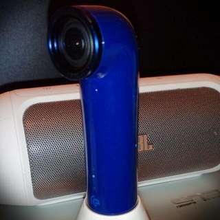 (待匯款)深藍色 HTC Re 防水運動相機+原廠充電底座