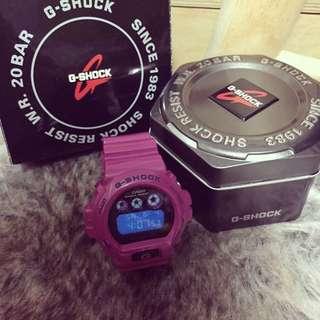 CASIO G-SHOCK桃紅色電子錶