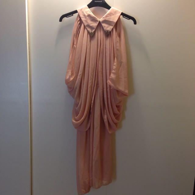 淡粉紅連身洋裝