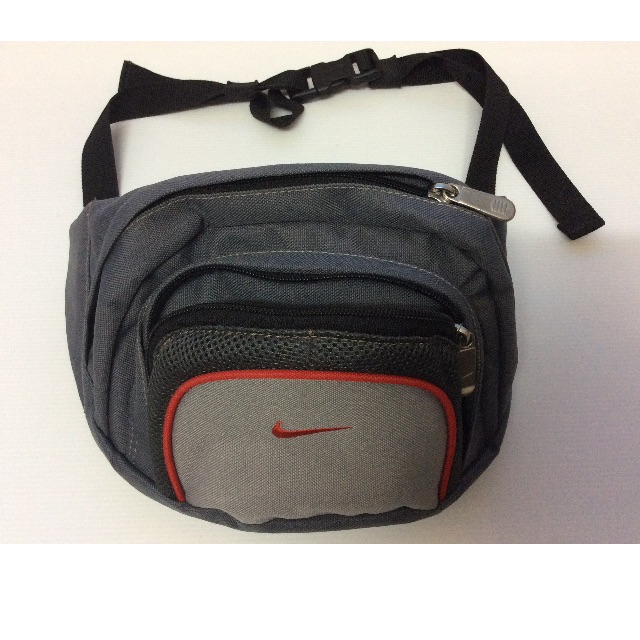 Authentic NIKE waist pouch, Men s Fashion on Carousell 5894a98c42