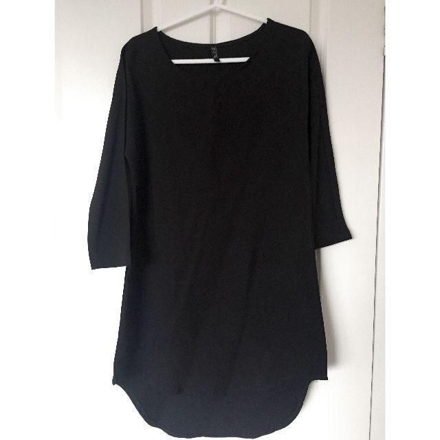 Black Shift Dress with Curved Hi-Lo Hem, Front Slit & 3/4 Sleeves Size EUR S / USA S / MEX 26