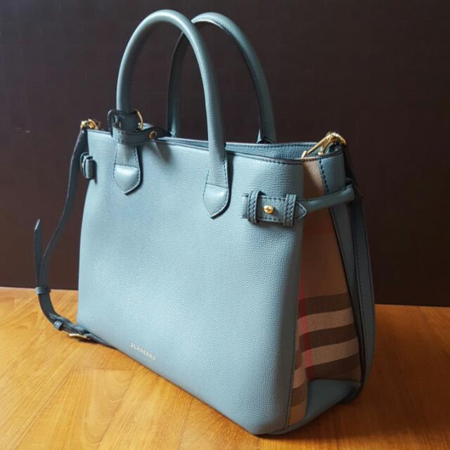 c9f39ff67bd9 Burberry Medium Banner In Leather   House Check (Smokey Green ...