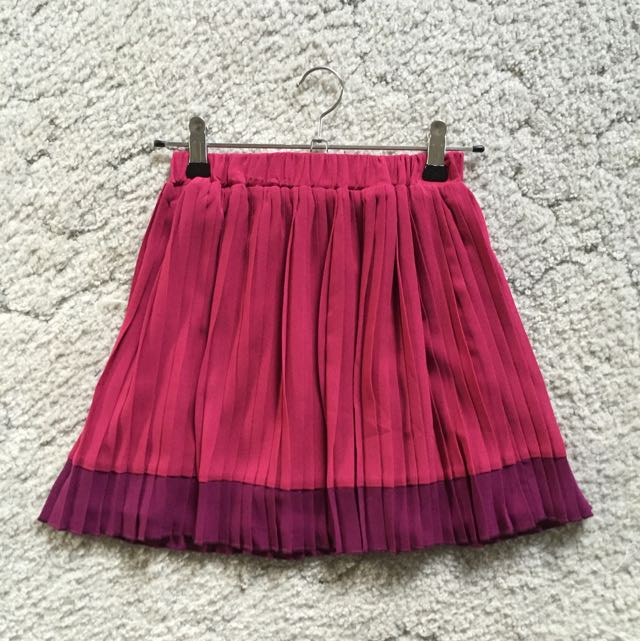 Lolitta maroon pleated skirt
