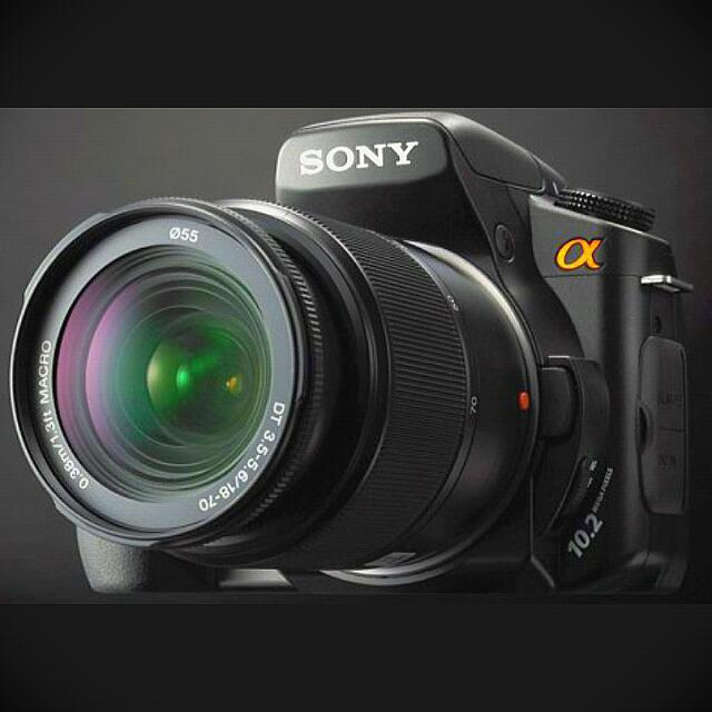 (Mint) Sony DSLR A200 w/ 1.5m/4.9ft Macro Lens (WITH BAG & ACCESSORIES)