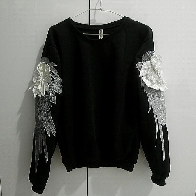 個性暗黑系刺繡翅膀裝飾黑色大學T衛衣