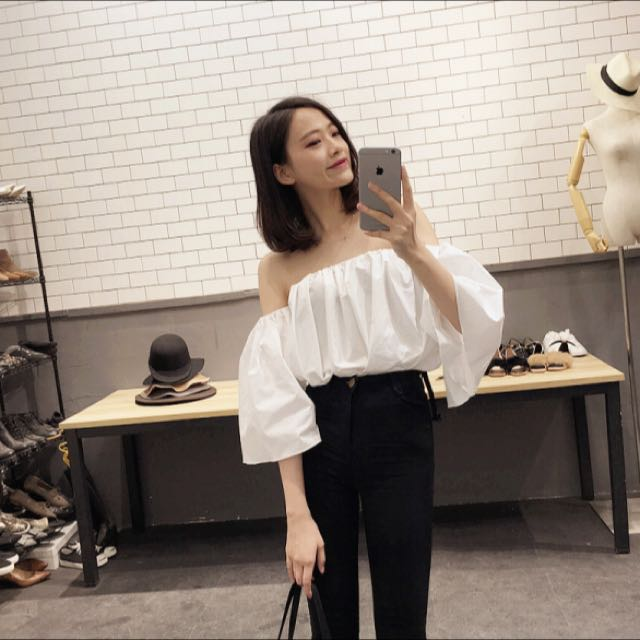ba7f569ef59 White Puffy Off Shoulder Top, Women's Fashion on Carousell
