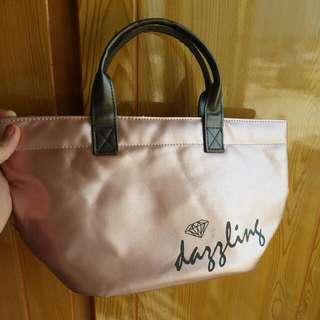 玫瑰金手提包