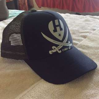 Topi Trucker Hat