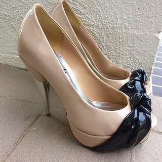 Beige Black Ribbon High Heels Size 5.5