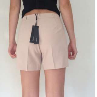 BNWT Tokito Size 8 Beige/Nude Shorts Ladies