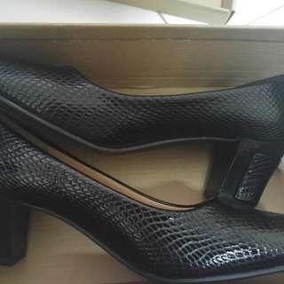 Kiyo Shoes Size 36