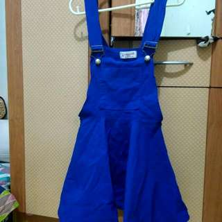 blue top overall