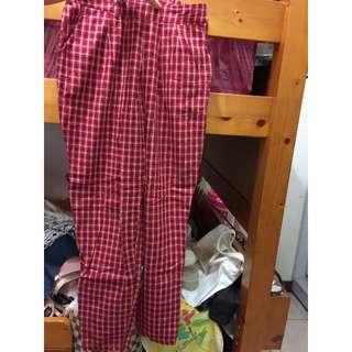 🚚 「全新」Queen Shop 大紅格紋寬鬆長褲/男友褲/寬褲