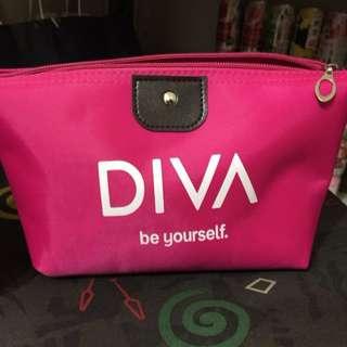 🚚 「全新」DIVA 桃紅大容量化妝包