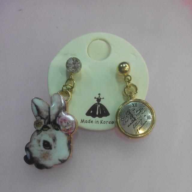 愛麗絲兔子耳針兩入組✨