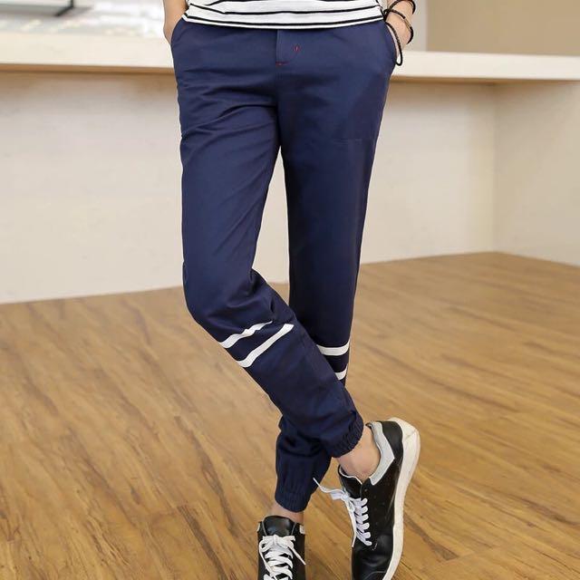 深藍色 束口褲 膝蓋條紋