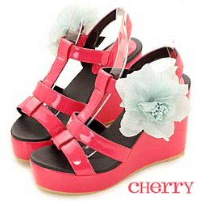 「僅穿一次」Cherry 厚底楔型桃紅涼鞋