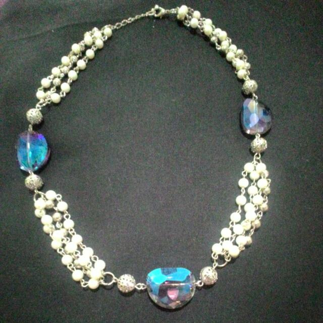 Kalung Mutiara & Kristal