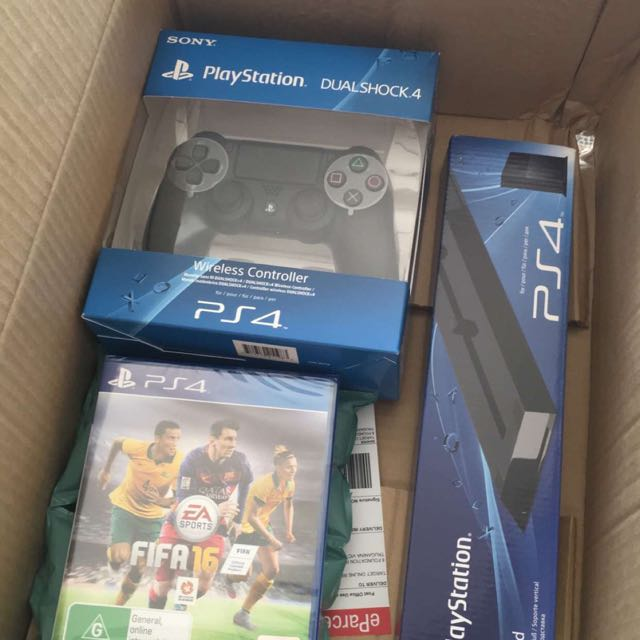 PS4 1TB + 2 Controllers + 5 Games + Stand BRAND NEW IN BOX