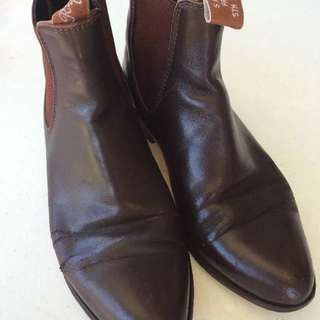 RM Williams boots 7.5