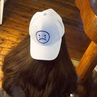 哭臉白色老帽