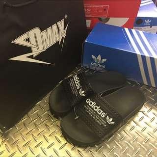 Adidas Adilette 黑 白字 男女款 保證正品 台中ㄧ中可面交
