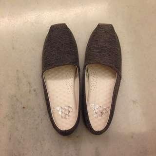灰色平底鞋23.5