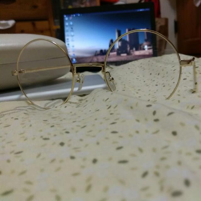 金邊圓框造型眼鏡